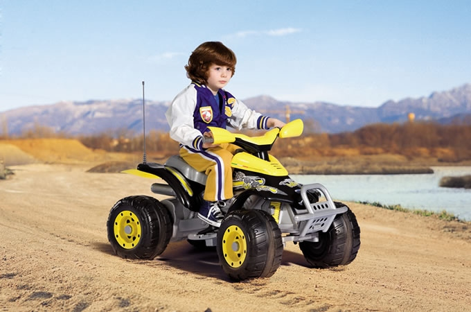 мальчик автомобилист