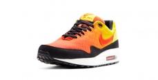 Nike представил новую модель кроссовок AIR MAX Sunset pack